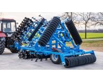 LEKO 5.6 m vontatott kompaktor, hidraulikus, 2 soros tárcsasorral, csillaggyűrűs hengerrel